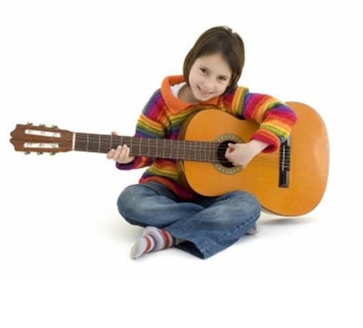 Игра на гитаре, скрипке, аккордеоне (от 7 лет)
